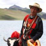 voyage tibet lhassa dalai lama palais du Potala Dalai Lama Visite de Tsomi Ling Monastère Drepung Gyantse lac Yamdrok Yamdrok-Tso Shigatse monastère Pelkor Chode Prince de Gyantse Rabten Kunsang l'école Sakyapa du bouddhisme tibétain vallée du Brahmapoutre clement philippon photographe