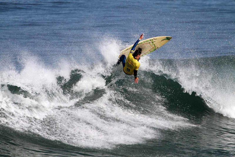 Reportages Photo Uhaina Classic clément philippon surf anglet compétition universitaire championnat de france universitaire suaps surf photographe surf chacal prod